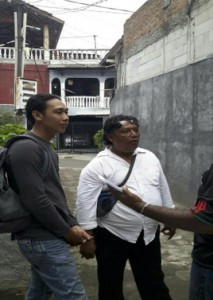 Two plainclothes police officers came to Jayawijaya West Papuan student dormitory - 15 Dec.2017